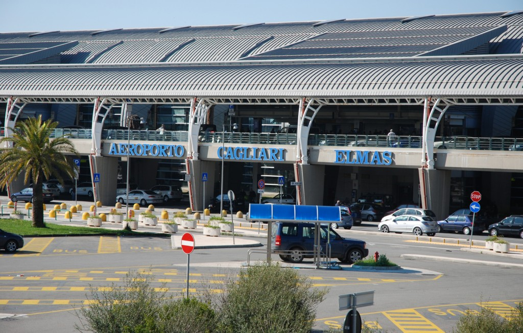 cagliari-aeroporto-di-elmas-esterno